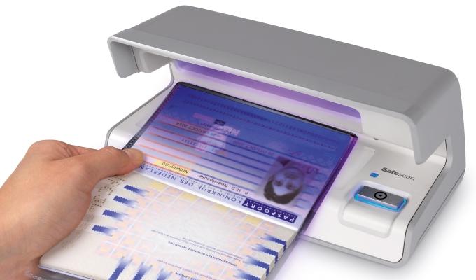 safescan-70-verifies-passports